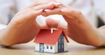 Petite maison sous mains
